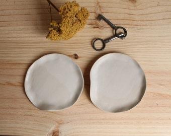Ring dish Soap dish Stoneware handbuilt little plate White matt glaze - Ready to ship