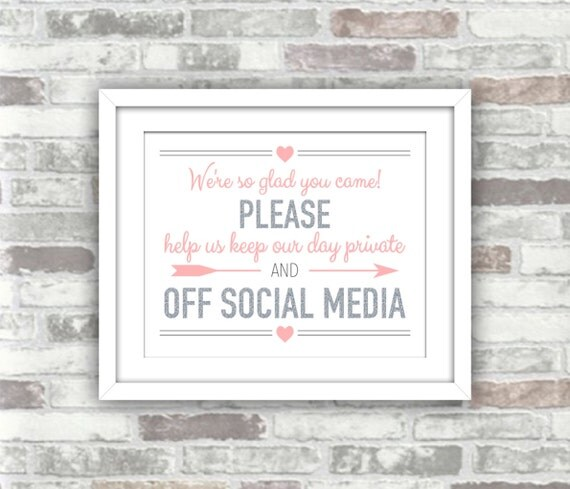INSTANT DOWNLOAD - Printable Wedding Sign - Please Help Us Keep Our Day Private and off Social Media - Silver Pale PINK Blush - 8x10