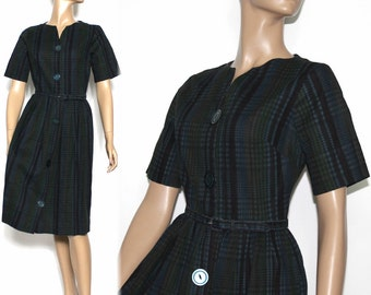 Vintage 1950s Dress //Shirtwaist Dress// Big Buttons//Matching Belt//Navy Plaid // Designer Dress