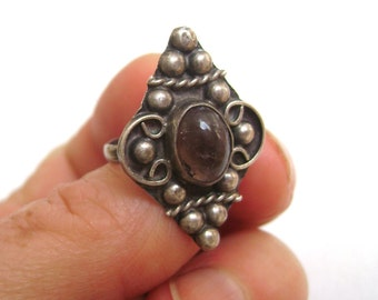 wonderful old sterling Mexican ring, size 6