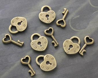 5 Set Antique Brass Vintage Style Tiny Heart Lock & Key Charms