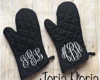 2 Monogrammed Oven Mitts