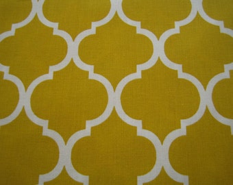 """Quatrefoil Curtain Valance in Mustard Yellow and White 41"""" x 15"""" in 100% Cotton - Handmade New"""
