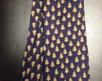 Alynn Christmas Tree Necktie