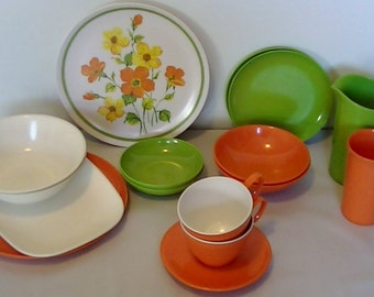 Vintage Dinnerware Set for 2 - Marigold Medley