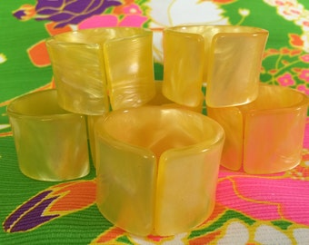 Vintage Set of 6 Pearly Pearlescent Yellow Lucite Napkin Rings