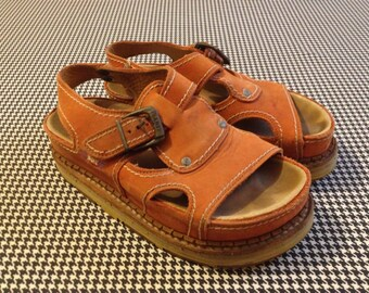1990's, flat, lug sole, sandals, in pumpkin leather, by ART, EU size 38, US Women's size 7.5, Men's size 5.5