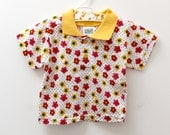 Vintage Papous printed cotton short-sleeved shirt in red/yellow flowers and contrast collar, 6 months
