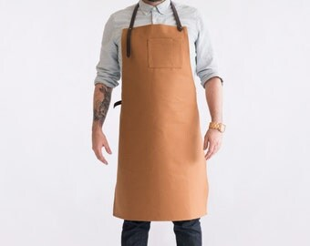 """Dahls"""" tan apron. Canvas and leather. Handmade in Montreal, Qc"""