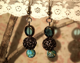 Sea blue and wire mesh earrings