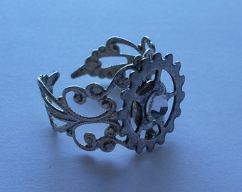 ANTIQUE SILVER filigree adjustable ring with gear and SWAROVSKI crystal rhinestone