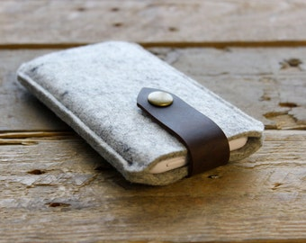 iPhone Sleeve / iPhone Case in Mottled Light Grey 100% Wool Felt and Dark Brown Crazy Horse Leather Strap