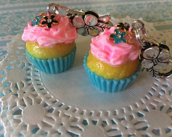 Kawaii cupcake charms, planner charms, kawaii charms, cupcake jewelry, polymer clay charms