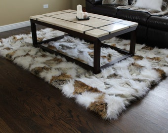 5'x7' Canadian Fox Faux Fur Accent Area Rug