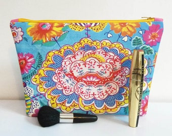 Zipper makeup bag in printed canvas India Lotus flower