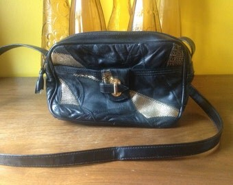 Vintage 80s Black and Gold Purse