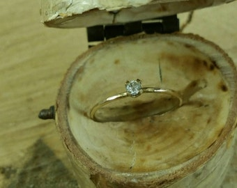 Hammered 14k gold diamond engagement ring! Unique diamond engagement ring. Thin engagement ring. Conflict free diamond. Wedding ring.
