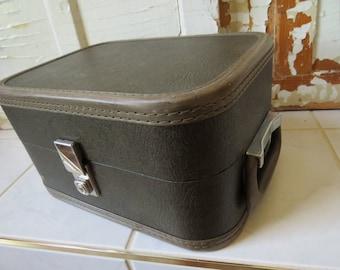 Picnic Suitcase Luggage Travelgard Hard Sided Vintage Suitcase Mid Century Home Decor Country Cottage Storage