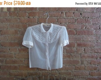 Xmas in July 1950s peach sheer nylon blouse • size small • Jenny
