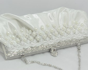 Pearl Bridal Clutch, Ivory Pearl and Lace Wedding Handbag, Oval Pearl Bridal Handbag Ivory Venice Lace, Lace Clutch Elegant Pearl Clutch Bag