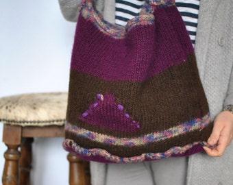 Vintage HANDMADE PURE WOOL hobo bag....(185)