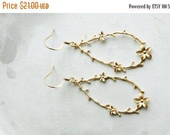 ON SALE Earrings, gold teardrop branch floral vine earrings