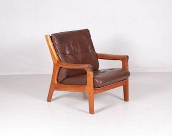 Easy chair teakwood, Thams, vintage,mid-century