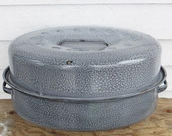 graniteware roasting pan ~ graniteware roaster ~ antique speckled graniteware pan ~ farmhouse antique