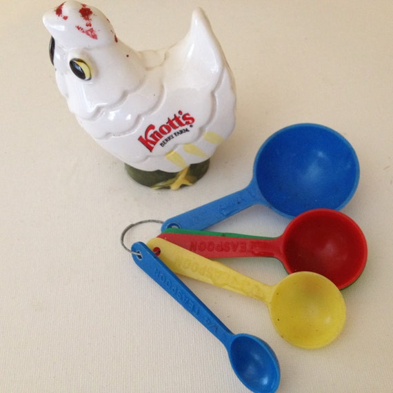 Vintage Cute ceramic Chicken with Plastic Measuring Spoons and