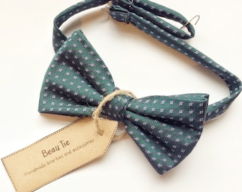 Vintage bow tie, silk bow tie,  mens bow tie, dark green bow tie, gifts for him