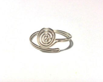 Adjustable ring to make a bracelet or ring