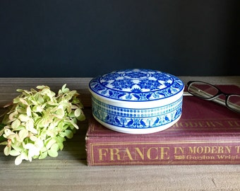 Blue and White Porcelain Ring Dish, Blue and White Jar /