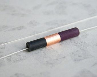 HEKLA // pendentif en cuivre et résine noire et violine sur chaîne ou fil de jade
