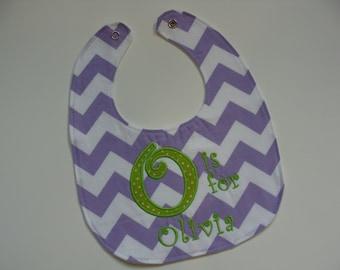 Personalized baby bib in chevron - baby shower gift