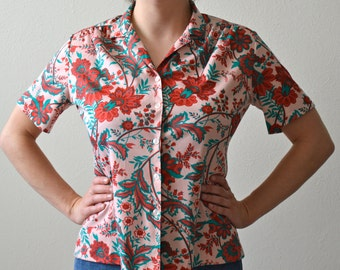 Groovy 1970s Button Up Top -- Adorable Floral Print!