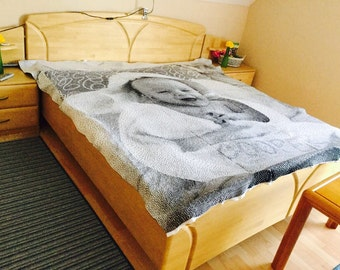 Knitted picture bed cover
