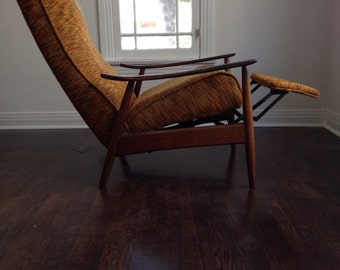 Pair of Iconic and Original  Thayer Coggin Recliners by Milo Baughman