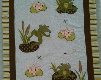 Adorable flannel frog quilt - Baby quilt - toddler quilt