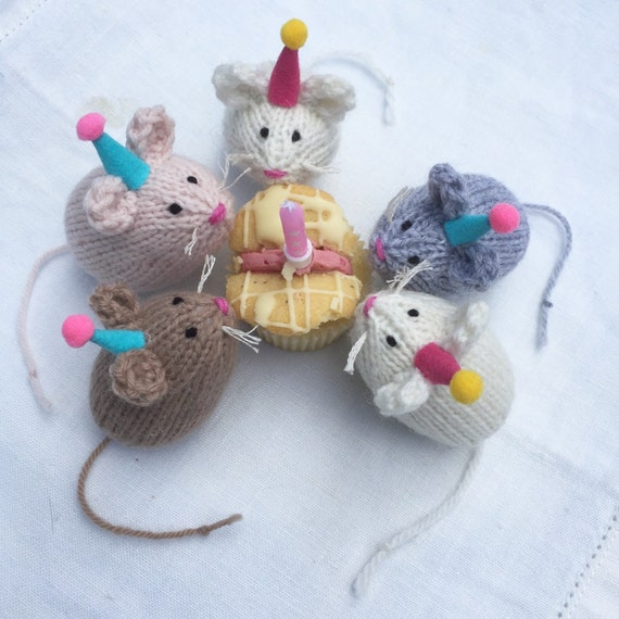 Monty Mouse hand knitted party time decoration