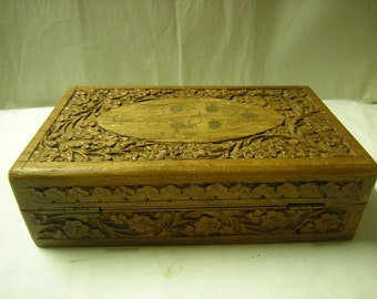vintage wood box-carved wood box-jewelry box-trinkets-2 compartments-blue felt lining-