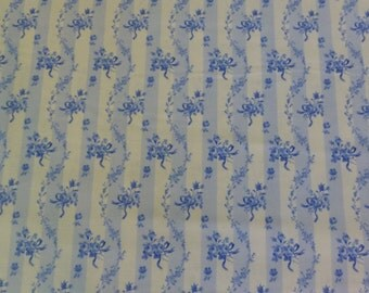 Porcelain Blue~Wavy Strip on White~Cotton Fabric, Quilt, Home Decor~Northcott~20697-10~Fast Shipping F550