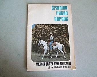 Training Riding Horses, Horses,Horsemanship,Riding Horses,Riding Tips, Cowboys,Quarter Horse,Horse Booklet