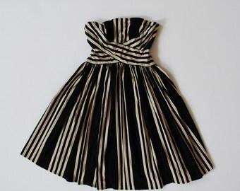Vintage Pinup-Inspired Prom Dress