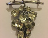 Vintage Faceted Glass Rhinestone Articulated Dangly Grape Brooch