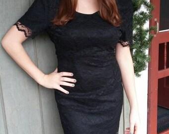 My Michelle form fitting black lace dress/90s/ medium