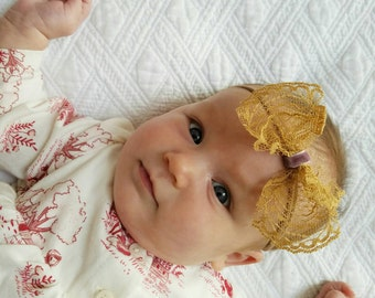 The Lola Vintage Lace Bow