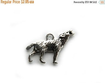 SALE 6 Silver Wolf Charms