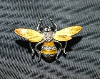 Vintage Bumble Bee Brooch Pin Unsigned 1960s