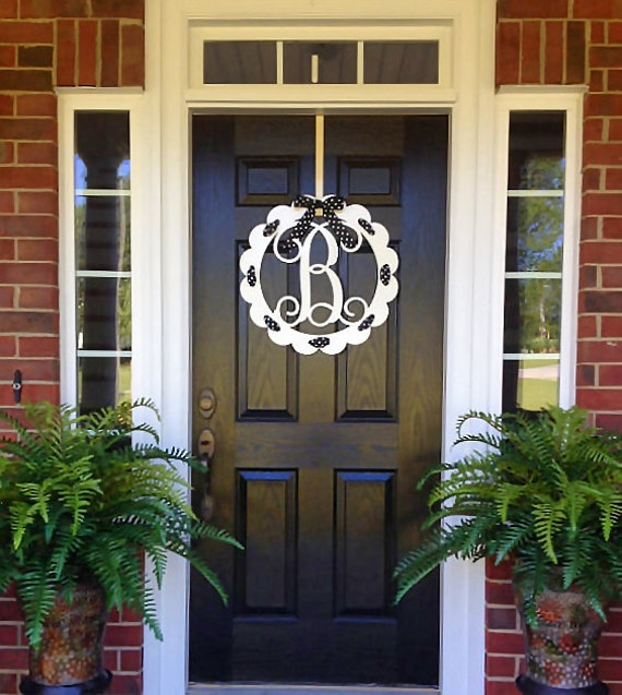Front door wreaths metal monogram door hanger door wreath for Initial decorations for home