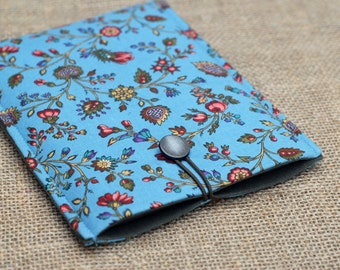 iPad Mini Cover / Kindle Touch / Kindle 6/ Kindle Paperwhite Padded Sleeve (case) in blue floral pattern with Button